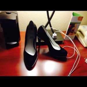 Cole Hahn pumps Blk&White, size 9.
